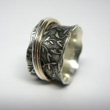 Recycled Sterling and Gold Leaf Pattern Spinner Ring